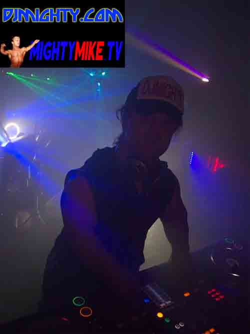 DJ MIGHTY MIXING DUBSTEP HOUSE MUSIC LITTLE PEOPLE HIRE DISC JOCKY